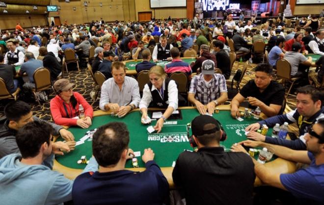 Tidak Ada yang Membahas Poker Online