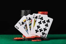 Manfaat Bermain Poker Online di Situs Judi Indonesia